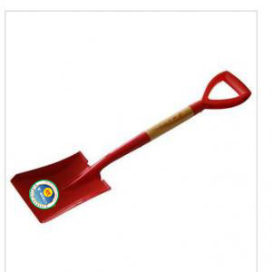 A new garden shovel